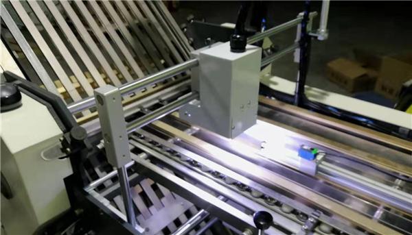 折页机错页检测,折页机白页检测,折页机倒页检测,CCD检测设备